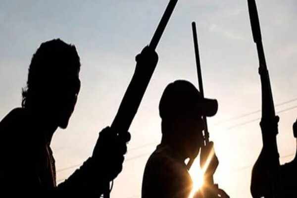 Unknown gunmen attacked B Division of the Nigeria Police Divisional Station and the Independent National Electoral Commission (INEC) in Akwa, Anambra