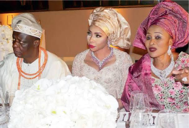 Hosa Okunbo's ex-wife, widow fights during burial rites